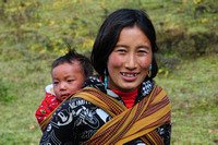 Bhutanese woman and child at Robluthang