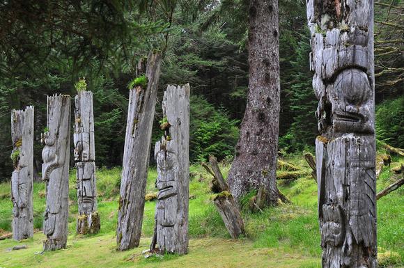 Doug Beecroft Photography | Haida Gwaii | Haida poles ...